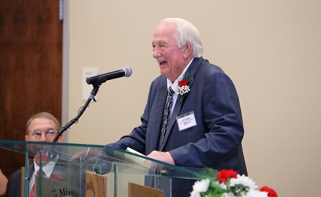 EMCC's 2018 Alumnus of the Year John Apple speaks during an Oct. 13 alumni luncheon that was part of the college's Homecoming festivities.